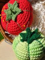 http://translate.google.es/translate?hl=es&sl=nl&tl=es&u=http%3A%2F%2Fthehookedhaberdasher.com%2Ffree-pattern-heirloom-tomato-pincushion%2F
