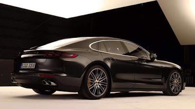 Prime immagini Porsche Panamera