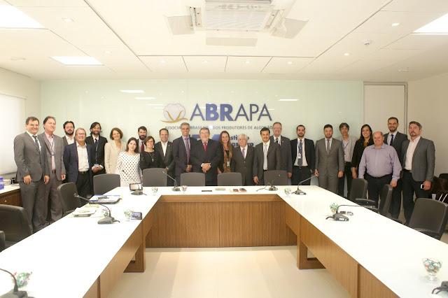 Governo e setor do algodão brasileiro fecham acordo para implantar Sistema Integrado de Agrotóxicos (SIA)