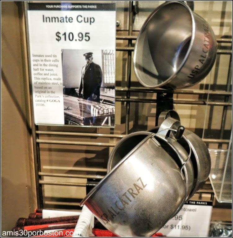La Prisión de Alcatraz: Taza de los Presos en la Tienda de Recuerdos