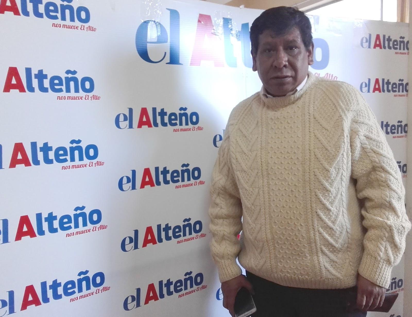 Martín Balcazar Martínez es un vecino de Ciudad Satélite, el barrio alteño que cumplió 51 años en abril