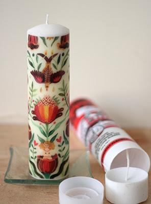 Lilin hias menggunakan cetakan bekas tempat silicone glue . Bagian bawahnya  diganti dengan bahan silicone rubber c1cef95582