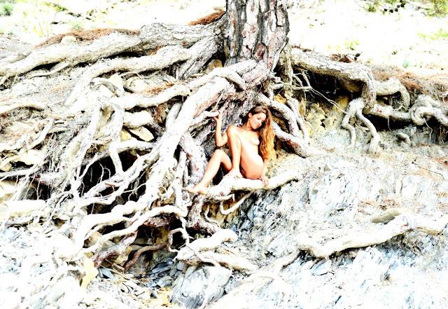 (Голые модели 18+) Фото писек моделей www.eroticaxxx.ru - эротика: писи, писечки, писюльки девушек