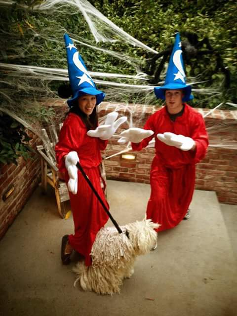 Mark Zuckerberg And His Family Nails It For Halloween.