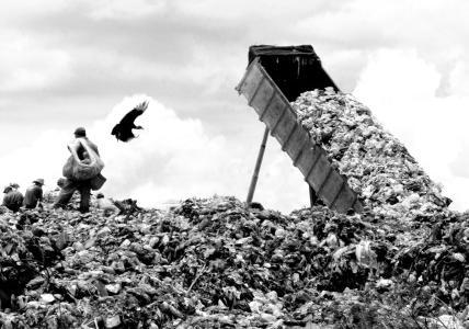 """MPRO ajuíza ações civis públicas para desativar """"lixões"""" em Nova Mamoré e Guajará Mirim"""