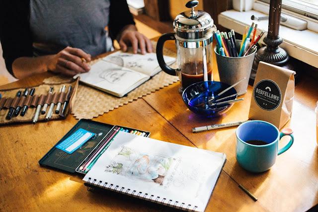 Cuaderno, pinturas, dibujos, creatividad, sketch, persona creativa