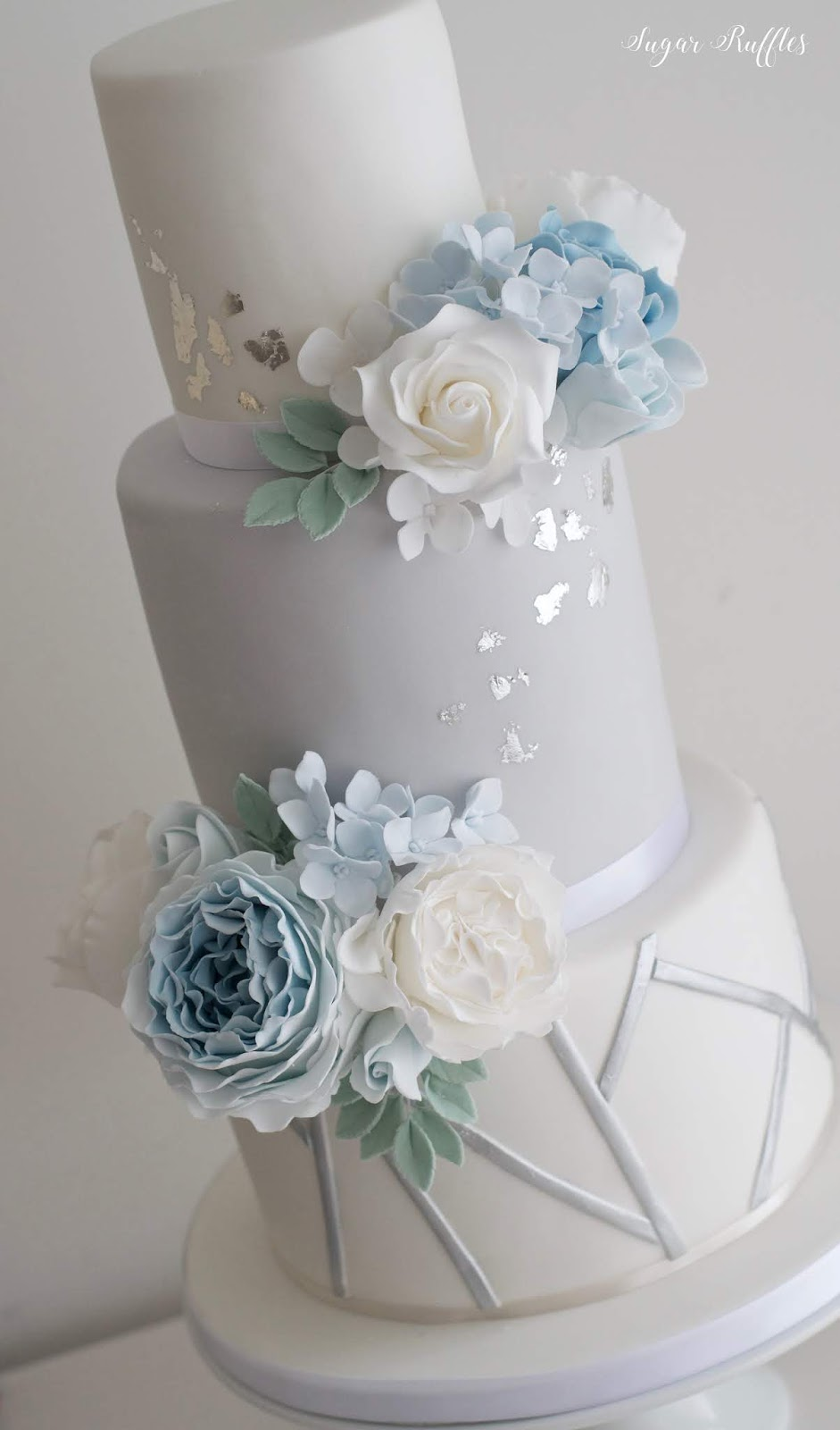 blue white and silver wedding cakes blue and silver wedding cake 12025