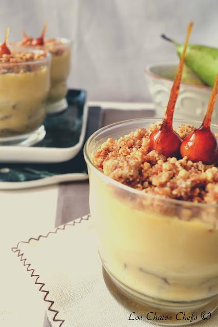 Crema cuajada con miel de trufa, pera y tierra de avellana
