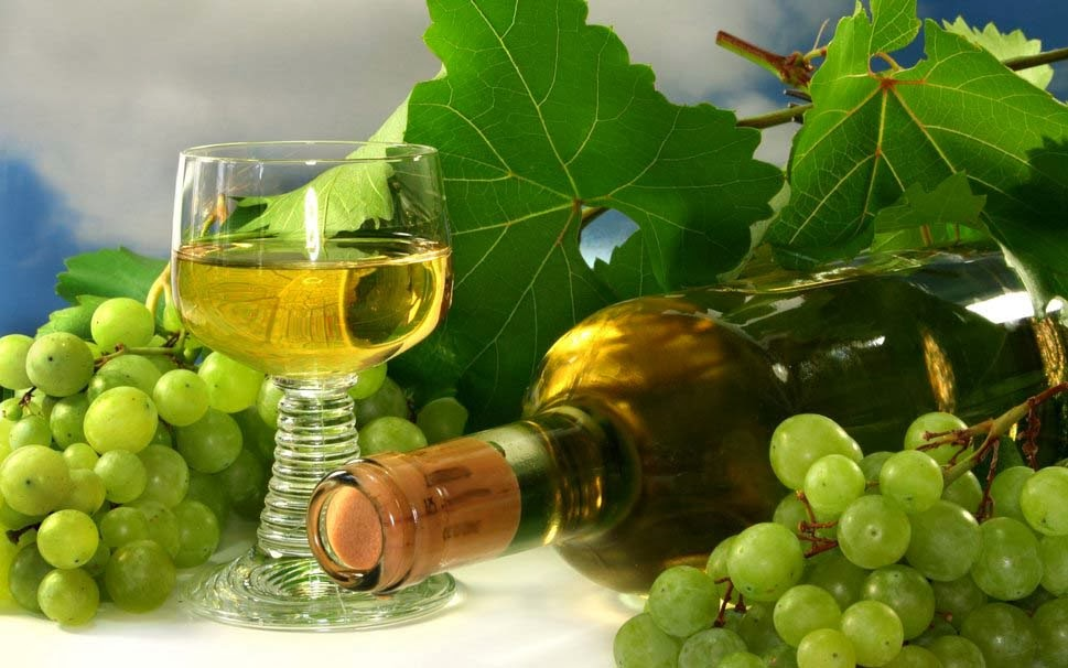 grape-cluster-wine-bottle-hd