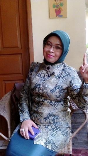 Yayah Rodiah Janda Bandung Cari Suami Siap Nikah