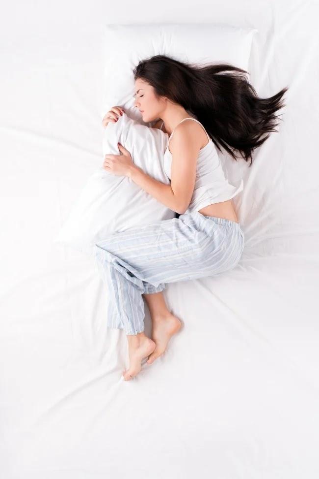 Tidur dengan posisi janin