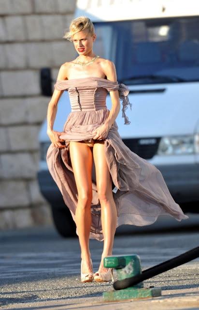 Karolina Kurkova Flashing Her Panties On Photoshoot