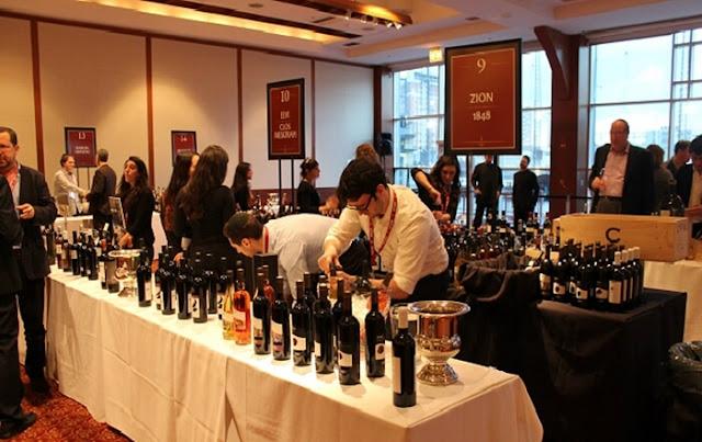 Rượu vang còn được giới quý tộc mời khách trong nhưng bữa tiệc