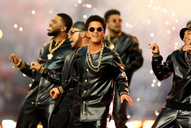 Bruno Mars habla sobre aparecer de nuevo en el Super Bowl 2017.