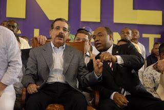 Diputado en busca de legisladores para modificar constitución en apoyo reelección presidente Medina