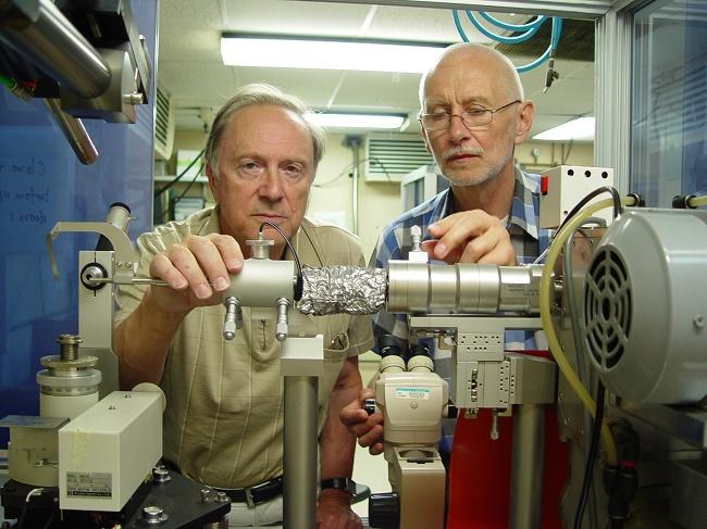 prof. Mariusz Jaskólski i dr Alexander Wlodawer – laureaci pierwszej edycji Nagrody