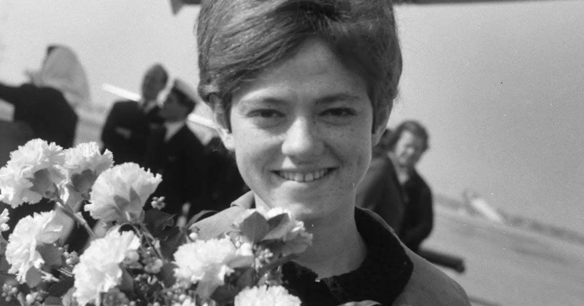Rita Pavone - Teenage Singing Star