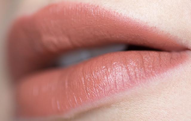 Mary Kay Gel Semi-Matte Lipstick «Rich Truffle» 6021 swatches