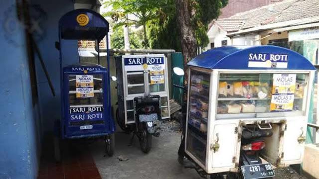 Balada Mamang Gowes Sari Roti Sepi Pembeli, Pengusaha Saung Sedekah Ini Akan Bantu Penjual Sari Roti Keliling