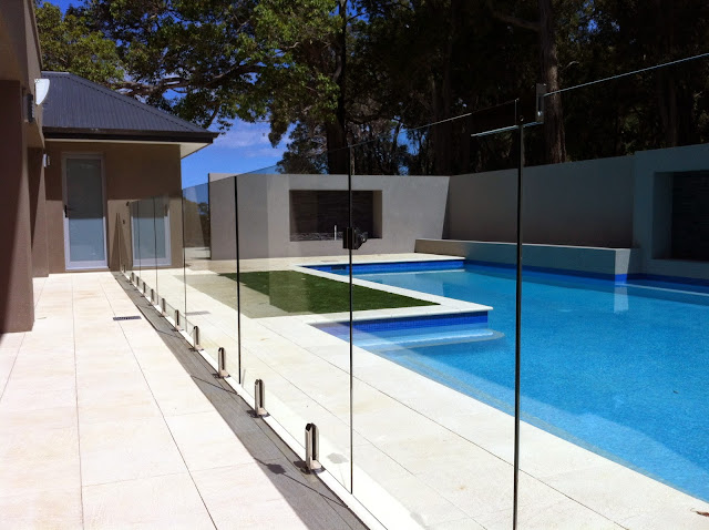 Why Consider a Frameless Glass Pool Fence?
