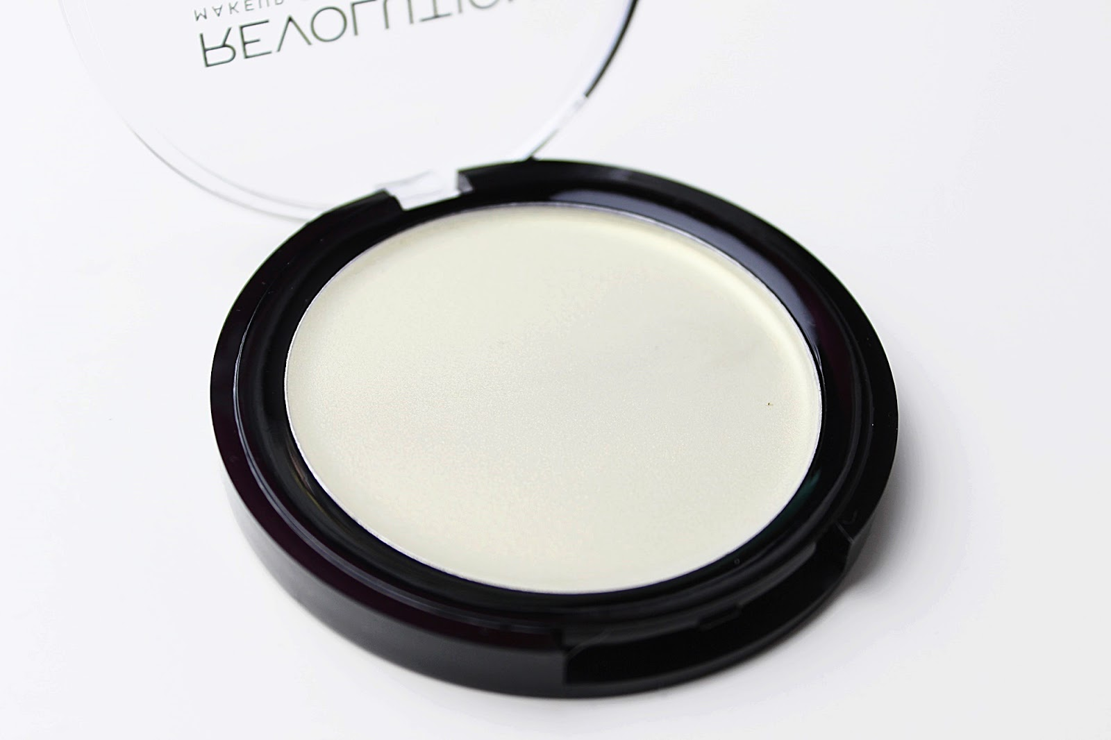 Makeup Revolution Ultra Strobe Balsam in Hypnotic