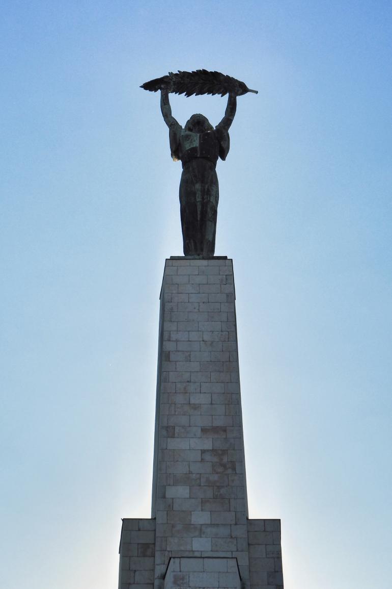 Monument de la libération - statue de la liberté à Budapest
