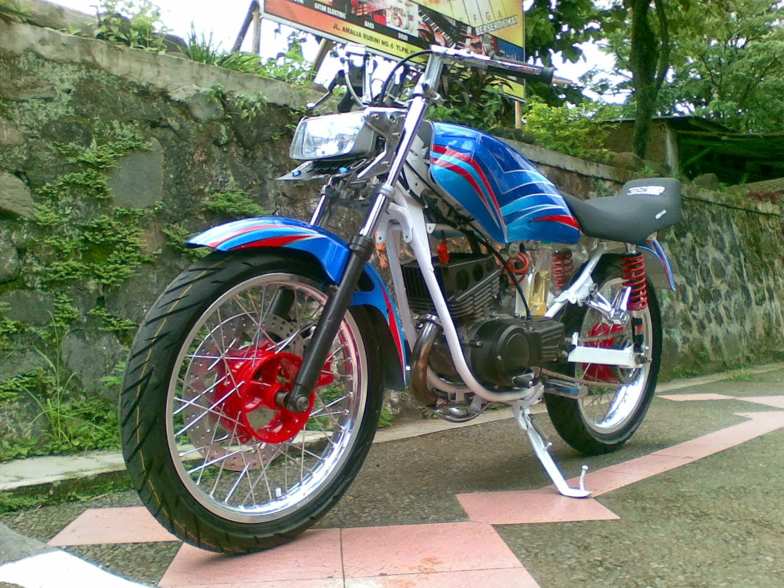 Modifikasi Rx King Biru Brush Street Fighter Azik