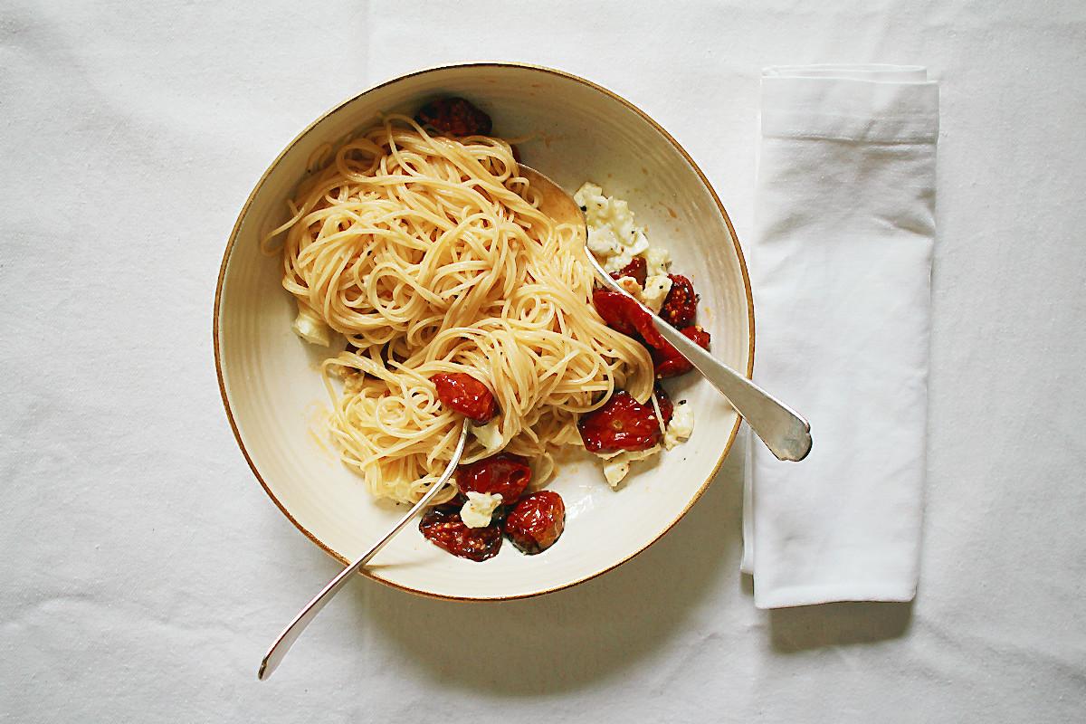 Ofengetrocknete Tomaten (DIY), marinierter Mozzarella und Capellini | Arthurs Tochter kocht. von Astrid Paul. Der Blog für food, wine, travel & love