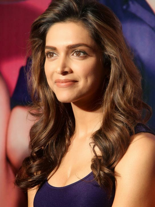 cute wallpapers of hot deepika padukone.JPG