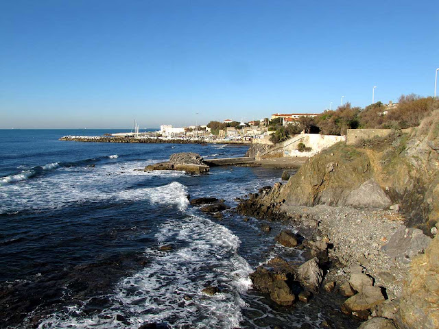 Rocky coast south of the Antignano Marina, Livorno