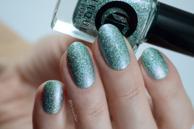 cirque winter bloom swatch furious filer flakes mint