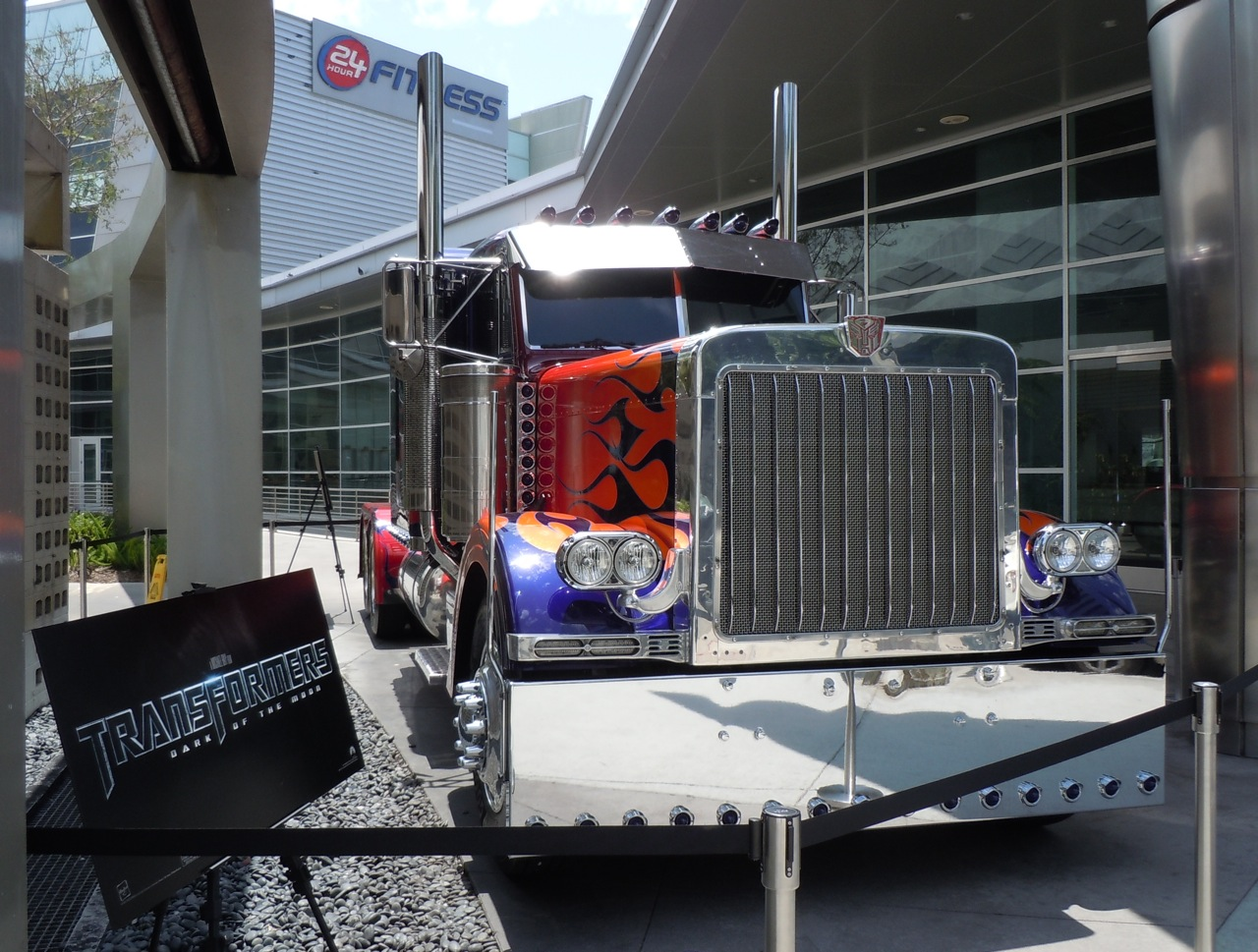 Optimus Prime truck and Bumblebee car from Transformers 3 ...