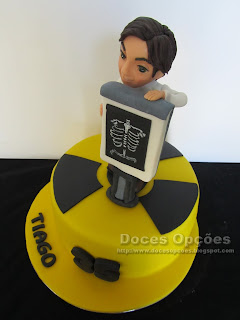 bolo aniversário médico raio-x