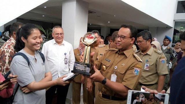 Gubernur Anies Kembali Raih Penghargaan Reksa Bahasa dari Kemendikbud