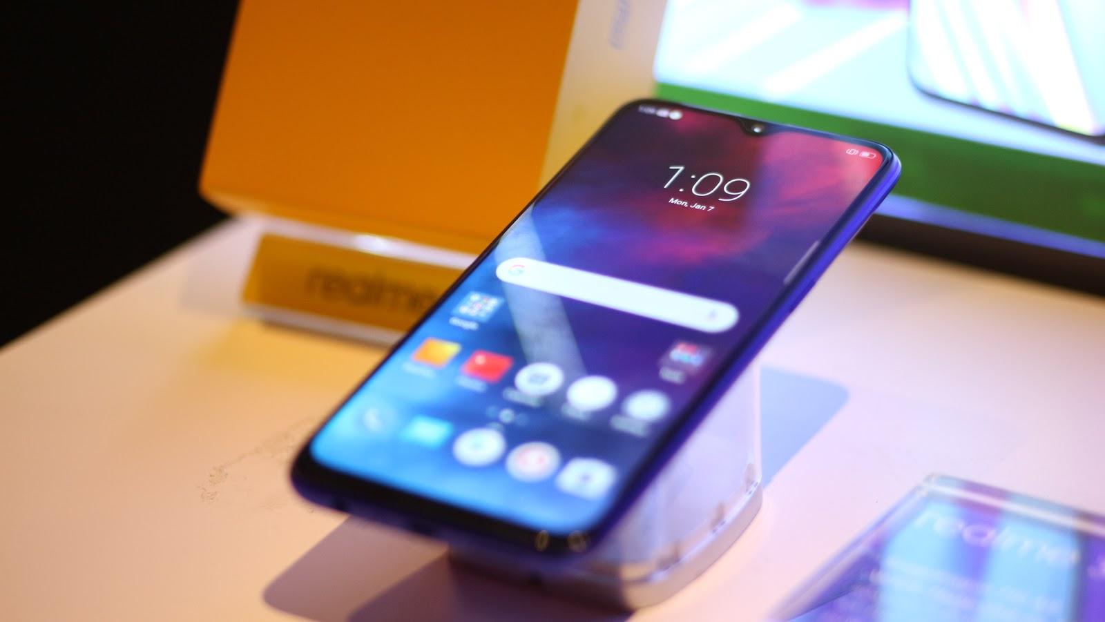 Realme 3 Pro Brings the Battle to the Midrange Segment | HEXMOJO
