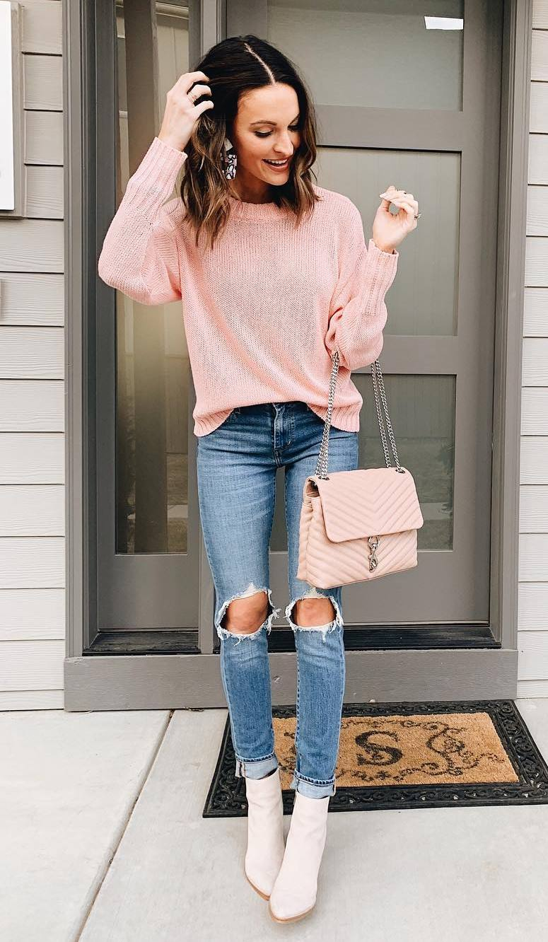 cute outfit idea for spring / pink sweater + bag + rips + boots