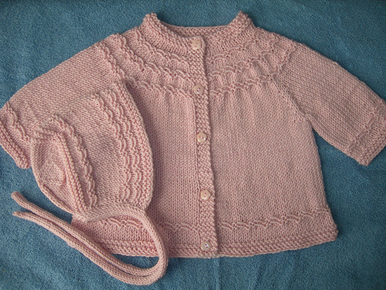 Daily Knitting Patterns: Seamless Yoked Baby Sweater