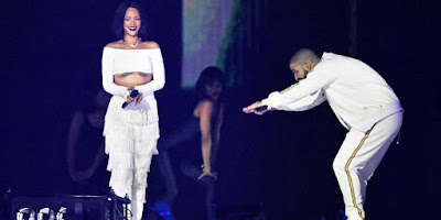 Rihanna Looks Amazing at a Drake Concert
