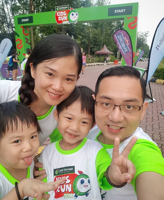 With the family at the Cold Storage Kids Run 2018 recently. The kids are too active, thanks to Kleenex they can maintain the cleanliness and hygiene!