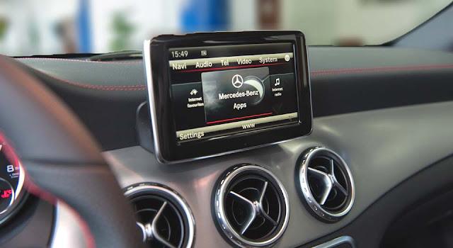 Mercedes AMG GLA 45 4MATIC 2017 sử dụng Hệ thống giải trí tiên tiến và hàng đầu của Mercedes hiện nay