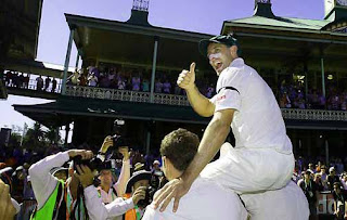 Michael Hussey guides Australia to a five-wicket win and Test series