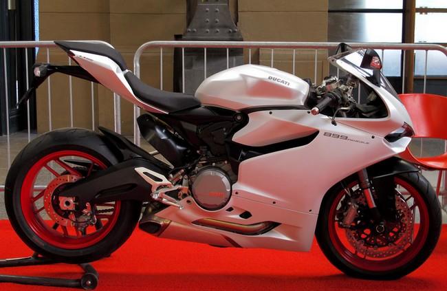 Ducati Panigale 1200cc >> Harga Ducati Panigale 899 Review Spesifikasi Februari 2018