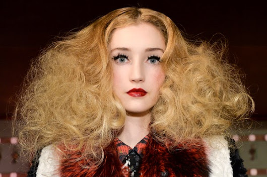 7 Things That Are Making Your Hair Frizzy ~ BEAUTY AND FITNESS