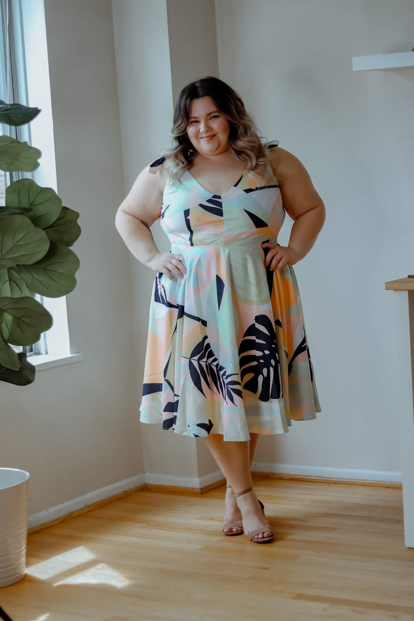 Chicago Plus Size Petite Fashion Blogger, influencer, and model Natalie in the City Craig reviews Hutch X Modcloth