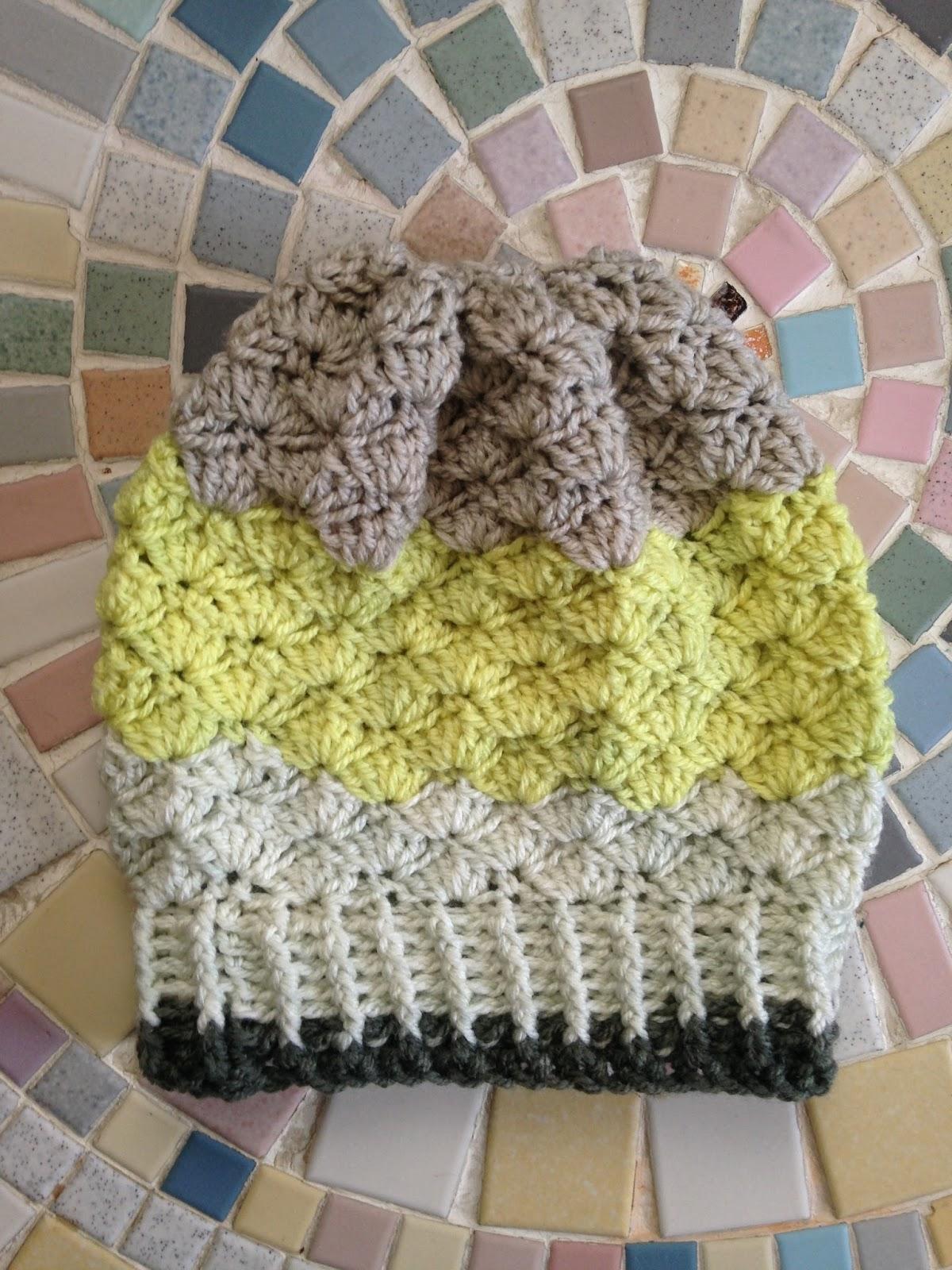 Anna's Crochet Spot: Simple Shells Slouchy Beanie