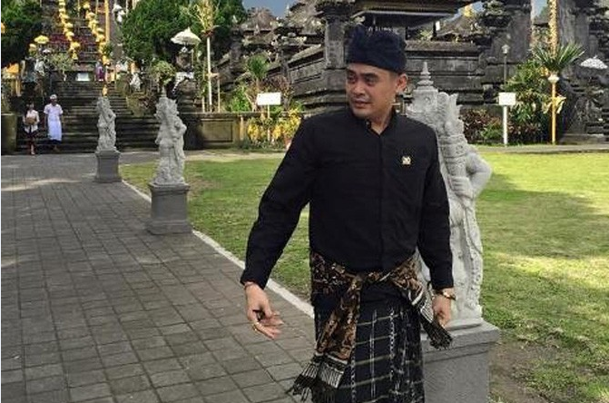 Dilaporkan Persekusi Ustad Somad, Reaksi Arya Wedakarna ...