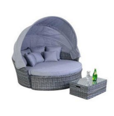 PLATINUM GREY RATTAN GARDEN FURNITURE LARGE DAYBED, Round Outdoor Daybeds UK, Outdoor Daybeds UK, Daybeds UK, Outdoor Daybeds at Amazon.co.uk, Amazon.co.uk, Best Outdoor Daybeds, Outdoor Furniture, Quality Outdoor Daybeds,