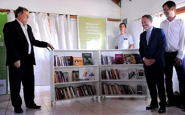 Ferrari y Elustondo entregaron certificados a internos que participaron de capacitación literaria