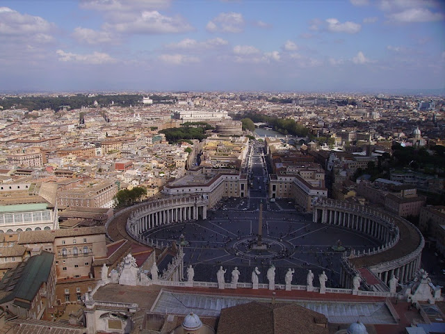 Title: A view from St. Peter's Basilica in the Vatican, Source: own resources, Authors: Agnieszka and Michał Komorowscy
