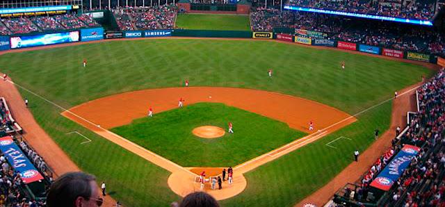 Los Rangers de Texas usarán una superficie sintética en vez de césped natural para 2020.